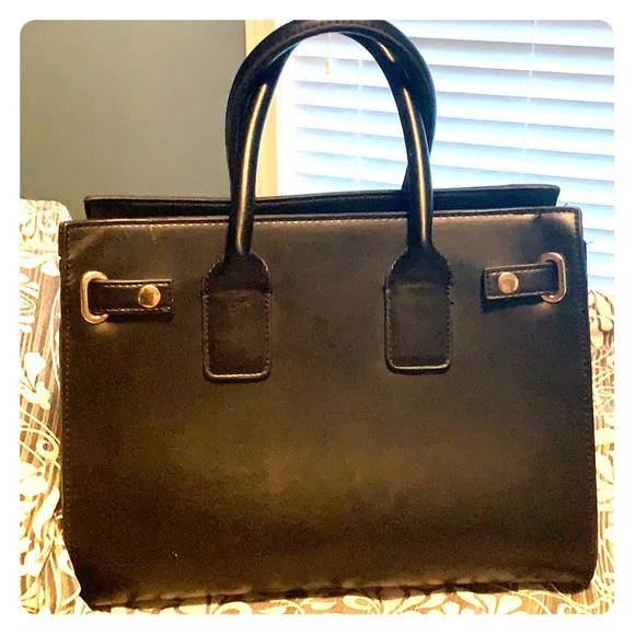 Forever 21 Handbags - Forever 21 Tote💕💕